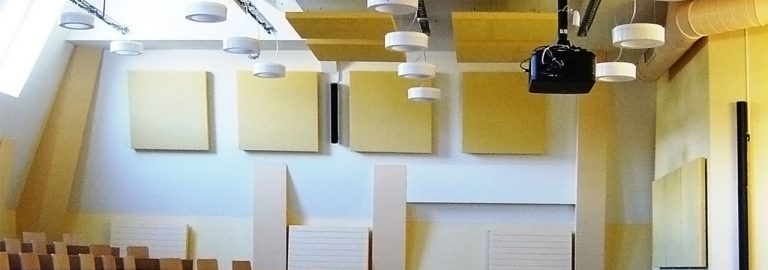 Découvrez WOOPIES, les panneaux d'absorption acoustique pour murs et plafonds.